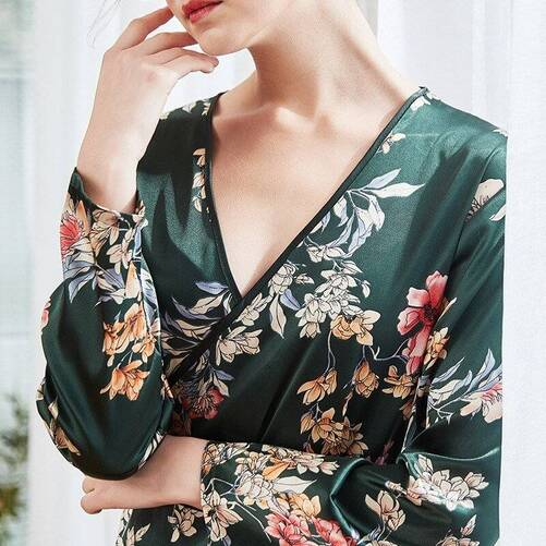 Floral Women's Robe with V-Neck Robes Sleepwear & Loungwear Women's Clothing & Accessories