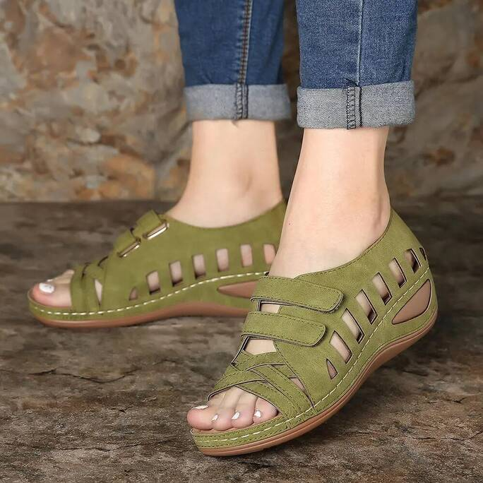 Women Sandals Gladiator Ladies Hollow Out Wedges Buckle Platform Casual Shoes Female Soft Beach Shoes Zapatos De Mujer Women Shoes Women's Sandals
