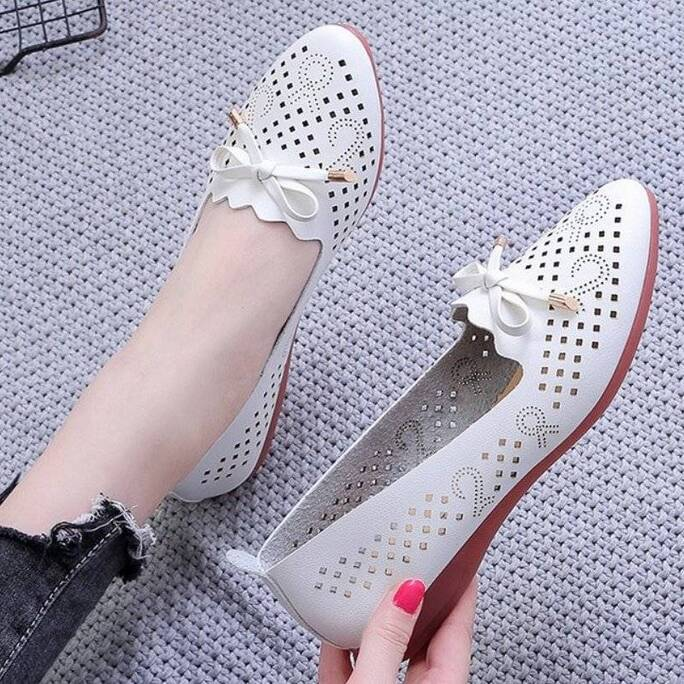 High Quality Women's Fashion Summer Sandals Soft Bottom Beach Hollow Casual Shoes breathable ladies Flat shoes Women Shoes Women's Sandals