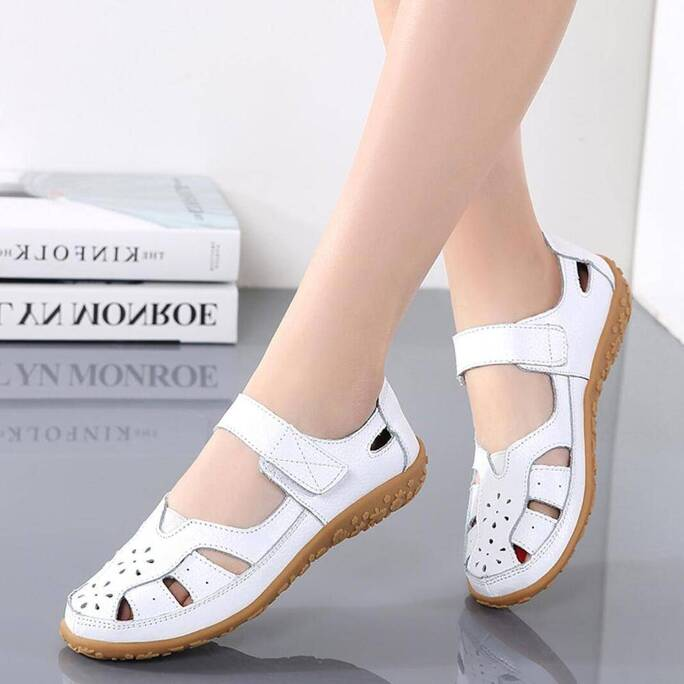 Women Mother Genuine Leather Shoes Soft Bottom Sandals Flats Summer Ladies Hollow Out Beach Shoes Quality Hot Gladiator Sandals Women Shoes Women's Sandals