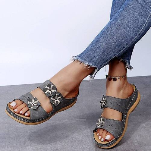 Women's Sandals Ladies Clip Toe Wedges Thong Shoes for Woman 2021 Fashion Embroidery Platform Buckle Casual Female Beach Shoes Women Shoes Women's Sandals